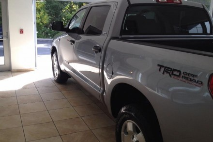 Toyota Tundra tow vehicle